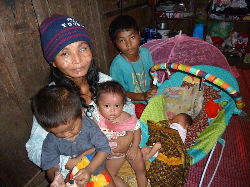 Babynahrung, -kleidung und -ausstattung